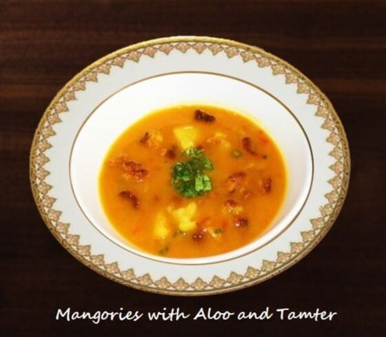 Mangories with Aloo and Tamter