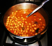 Mix onion masala well with chick peas